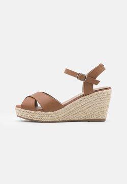 TOM TAILOR - Korkeakorkoiset sandaalit - camel