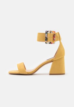 ONLY SHOES - ONLHULA LIFE BUCKLE HEELED  - Sandalias - yellow