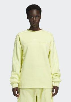 adidas Originals - Ivy Park 4 All long Sleeved Crewneck  - Sweater - yellwtint