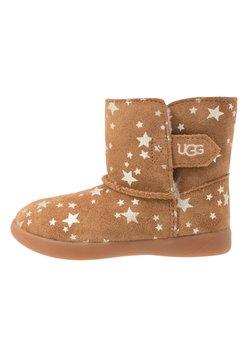UGG - KEELAN STARS - Stiefelette - chestnut