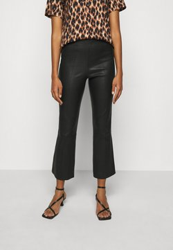 By Malene Birger - PHASE - Pantalon en cuir - black