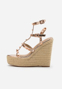 Missguided - DOME STUD WEDGE - Korolliset sandaalit - rose gold