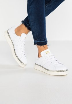 adidas Originals - STAN SMITH NEW BOLD - Sneaker low - footwear white/offwhite