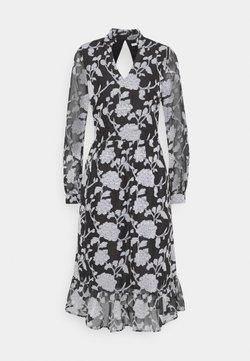 Love Copenhagen - LCKRISTA DRESS - Freizeitkleid - black / white