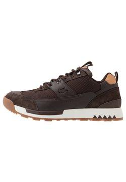 Lacoste - URBAN BREAKER - Sneaker low - brown