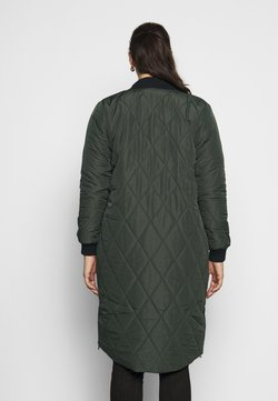 ONLY Carmakoma - CARCARROT LONG QUILTED JACKET - Abrigo - forest night