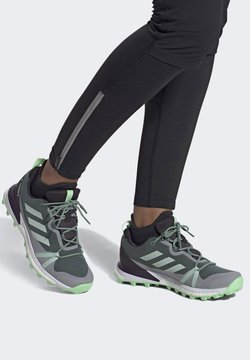 adidas Performance - TERREX SKYCHASER LT GORE-TEX HIKING SHOES - Scarpa da hiking - green