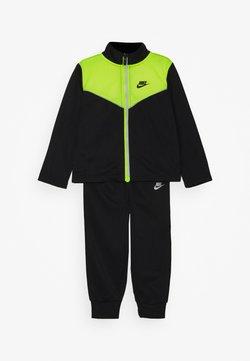 Nike Sportswear - 2 TONE ZIPPER TRICOT SET - Trainingspak - black