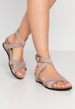Papillio - LOLA - Sandalen met sleehak - biscuit rivets