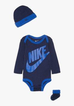 Nike Sportswear - FUTURA LOGO LONG SLEEVE HAT BOOTIE BABY SET - Mössa - midnight navy