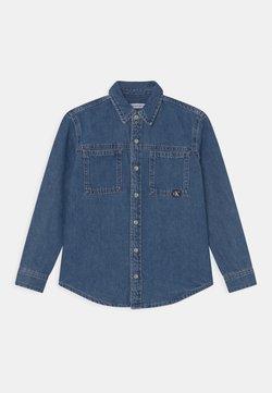 Calvin Klein Jeans - Vapaa-ajan kauluspaita - authentic mid blue rigid