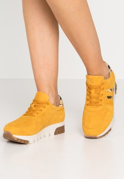 Tamaris - LACE UP - Sneakers - mustard