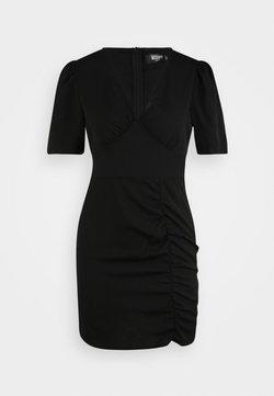 Missguided Petite - DALMATIAN RUCHED SIDE V TEA DRESS - Vestido informal - black