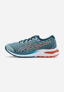 ASICS - GEL-CUMULUS 22 UNISEX - Neutral running shoes - light steel/magnetic blue