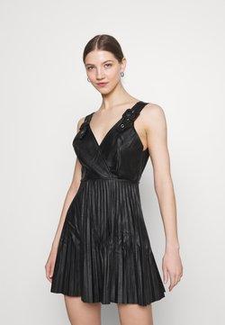 WAL G. - NAIROBI PLEATED DRESS - Cocktailkleid/festliches Kleid - black