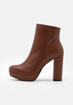 Bullboxer - High Heel Stiefelette - brown