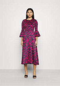 Who What Wear - SMOCKED DRESS - Freizeitkleid - slate