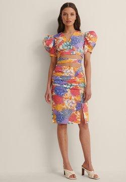 NA-KD - CROPPED TIE WRAP TOP - Bluse - multicolor