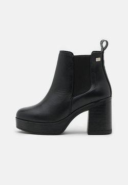 Musse & Cloud - RONAN - Platform ankle boots - black