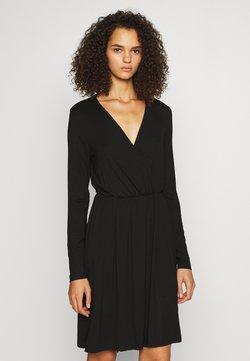 PIECES Tall - PCMARYJANE WRAP DRESS - Jerseykleid - black