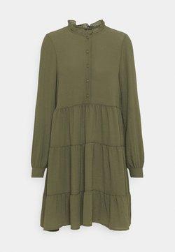 Vero Moda - VMZIGGA FRILL - Abito a camicia - ivy green