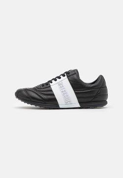 Bikkembergs - BARTHEL - Sneaker low - black/white