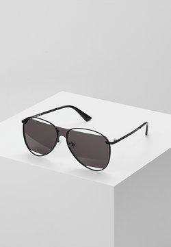 McQ Alexander McQueen - Gafas de sol - black/black smoke