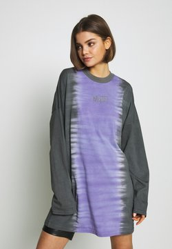 The Ragged Priest - DIP DYE SKATER DRESS - Vapaa-ajan mekko - lilac/ black