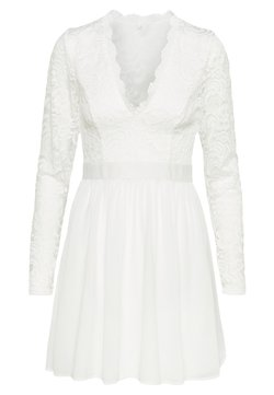 Nly by Nelly - SCALLOPED PROM DRESS - Cocktail dress / Party dress - white