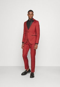 Isaac Dewhirst - THE TUX - Costume - red