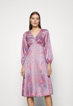 Closet - V NECK PUFF SLEEVE DRESS - Freizeitkleid - pink