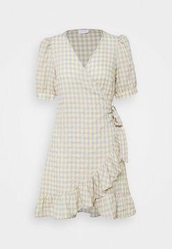 VILA PETITE - VIOLIVANA WRAP DRESS - Freizeitkleid - sunlight/ashley blie