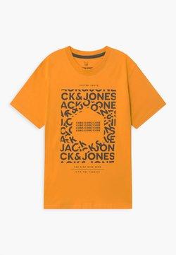 Jack & Jones Junior - JCOAKE CREW NECK  - T-shirt print - golden orange