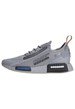 adidas Originals - NMD_R1 SPECTOO SHOES - Sneakersy niskie - grey