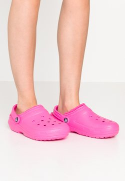 Crocs - CLASSIC LINED - Chaussons - electric pink