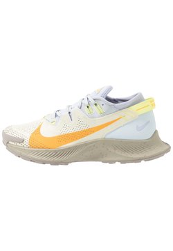 Nike Performance - PEGASUS TRAIL 2 - Löparskor terräng - pure platinum/laser orange/fossil