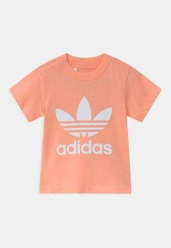 adidas Originals - TREFOIL UNISEX - Printtipaita - glow pink/white