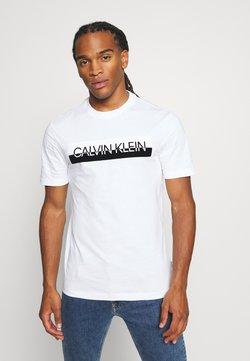 Calvin Klein - SPLIT LOGO - Camiseta estampada - white