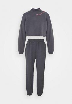 Trendyol - SET - Sweatshirt - anthracite