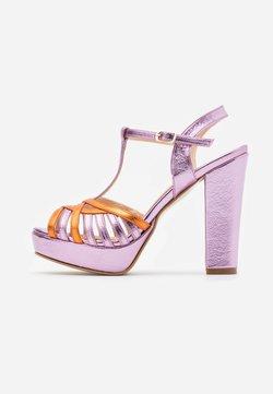 Trendyol - Korolliset sandaalit - pink