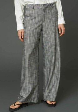 Hope - EASE  - Stoffhose - grey stripe