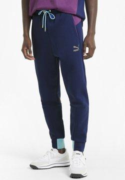 Puma - CLASSICS TECH  - Jogginghose - elektro blue