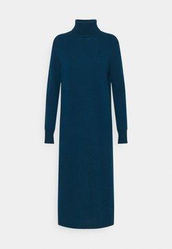 pure cashmere - TURTLENECK DRESS - Maxikleid - rich teal