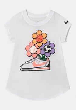 Nike Sportswear - CORTEZ FLOWER - T-shirt imprimé - white