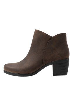 Clarks - Stiefelette - brown/oiled