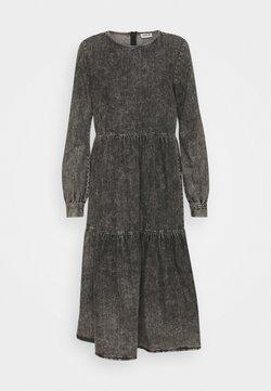 Noisy May - NMCILLE SLEEVE DRESS - Sukienka jeansowa - medium grey denim
