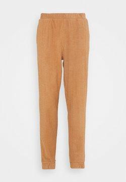 Vero Moda - VMWAFFLE PANT  - Jogginghose - tawny brown