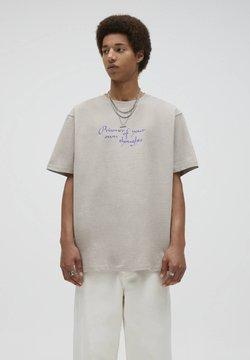 PULL&BEAR - T-shirt z nadrukiem - mottled beige