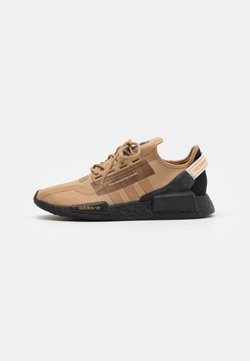 adidas Originals - NMD_R1.V2 BOOST UNISEX - Sneaker low - cardboard/core black