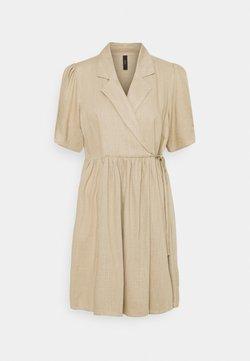 YAS Petite - YASHIMINA WRAP DRESS - Vestido informal - humus